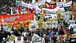 数千抗议者周六在都柏林示威抗议政府紧缩措施