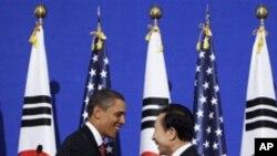 오바마 미 대통령의 방한 당시 이명박 한국 대통령과 공동 기자회견