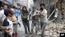 د نیپال حکومت د هر مړي، کورنۍ ته زر او د جنازې د مراسمو لپاره څلور سوه ډالره ورکوي.