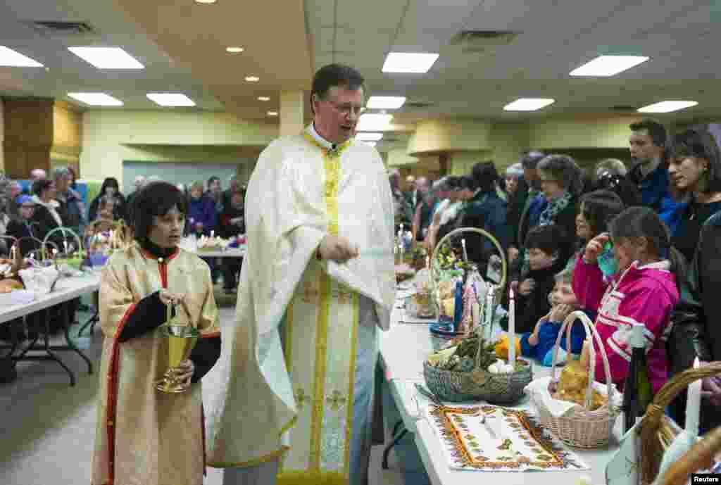 ایسٹر کے تہوار کی مناسبت سے مختلف پکوان بھی رکھے گئے۔