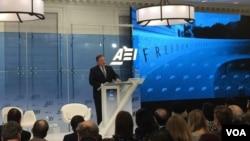 美国中央情报局局长蓬佩奥2018年1月23日在位于华盛顿的美国企业研究所讲话(美国之音叶林摄)