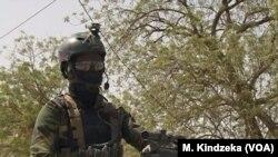 Des soldats du bataillon d'intervention rapide BIR, prêts au combat à Maroua, dans l'extrême nord du Cameroun, le 17 janvier 2019.
