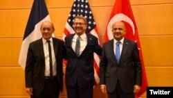 Fransa Savunma Bakanı Le Drian, ABD Savunma Bakanı Carter ve Milli Savunma Bakanı Işık, NATO'da üçlü toplantı yaptı.