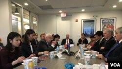 全国亚洲研究局座谈会讨论美国的一中政策 (美国之音钟辰芳拍摄)