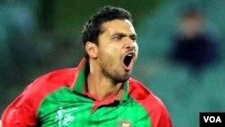 Mashrafi leads Bangladesh