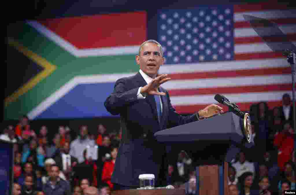 U.S. President Barack Obama participates in a town hall-style meeting with young African leaders at the University of Johannesburg Soweto, June 29, 2013.