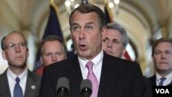 Ketua DPR AS John Boehner dan para anggota Kongres Partai Republik menolak usulan kenaikan pajak sebagai bagian dari kenaikan plafon utang.