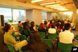 二十多位台灣、香港與大陸年青文化人舉行座談會,作文化人交流