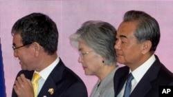 中日韩三国外长在泰国曼谷出席东盟会议。(2019年8月2日)