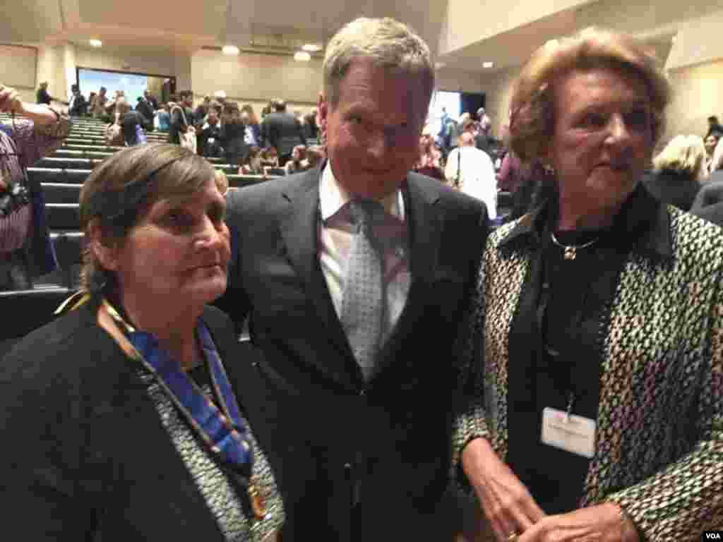 Elmira İsmayılova, Finlandiya prezidenti Sauli Niinistö və Guillermo Cano-nun xanımı Ana María Busquets de Cano