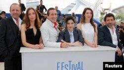 دست اندرکاران فیلم خداحافظ زبان در جشنواره فیلم کن، فرانسه. ۲۱ مه ۲۰۱۴