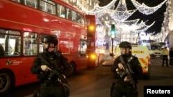 伦敦牛津街地区部署了武装警察
