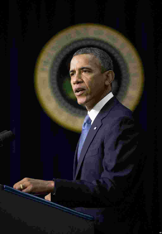 პრეზიდენტი ბარაკ ობამა თეთრ სახლში სიტყვით გამოსვლისას სამხედრო-საზღვაო შტაბის თავდასხმაზე საუბრობს, 16 სექტემბერი, 2013.