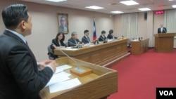 台湾立法院外交及国防委员会5月25号质询的情形
