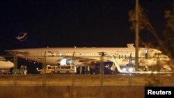 Esenboğa Uluslararası Havalimanına indirilen Suriye yolcu uçağı, Ankara, 10 Ekim, 2012.