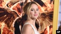 """Bintang Hollywood, Jennifer Lawrence saat mempromosikan film """"The Hunger Games"""" di Los Angeles (foto: dok)."""