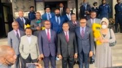 Nangaa akutani na ba 13 parlementaires bazali kosenga mbongwana na mapopnami