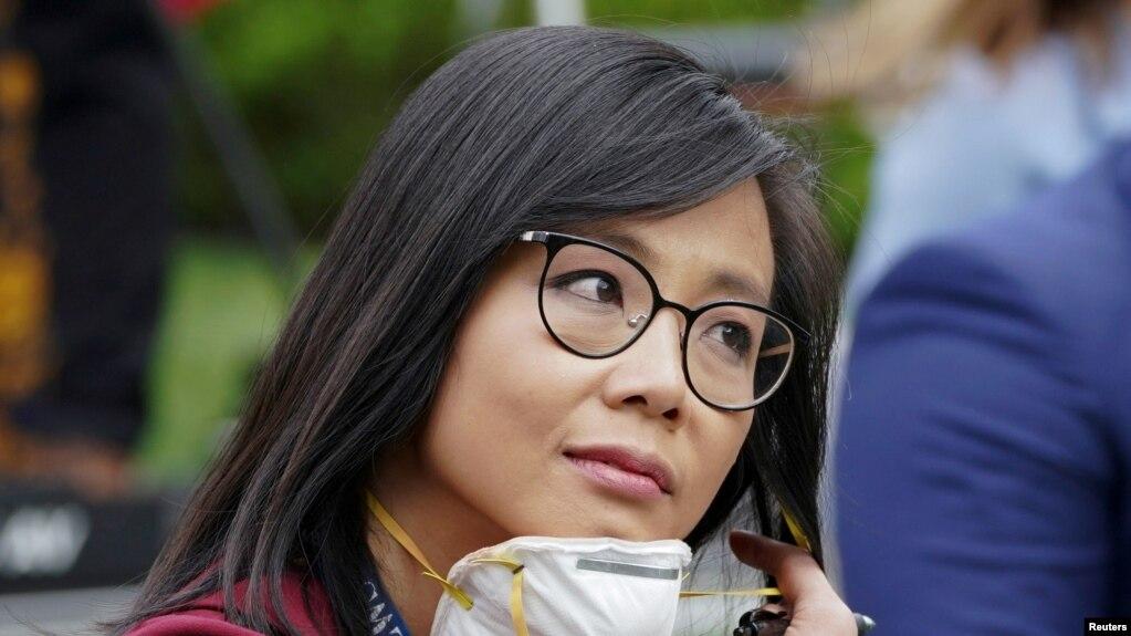 Cô Weijia Jiang, phóng viên thường trực của CBS tại Tòa Bạch Ốc, ngày 11/5/2020. REUTERS/Kevin Lamarque