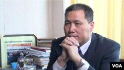 中坚律师浦志强以寻衅滋事罪被北京警方刑拘(美国之音东方拍摄,资料照片)