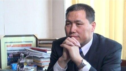 中坚律师浦志强以寻衅滋事罪被北京警方刑拘(美国之音东方拍摄)