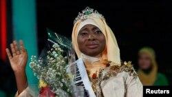 Olabiyi Aishah Ajibola wadda aka nada Zakarar Matan Musulman Duniya ta shekarar 2013.