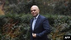 Le secrétaire britannique au Logement, aux Communautés et aux Gouvernements locaux, Sajid Javid, arrive à Downing Street, au centre de Londres, le 20 mars 2018.