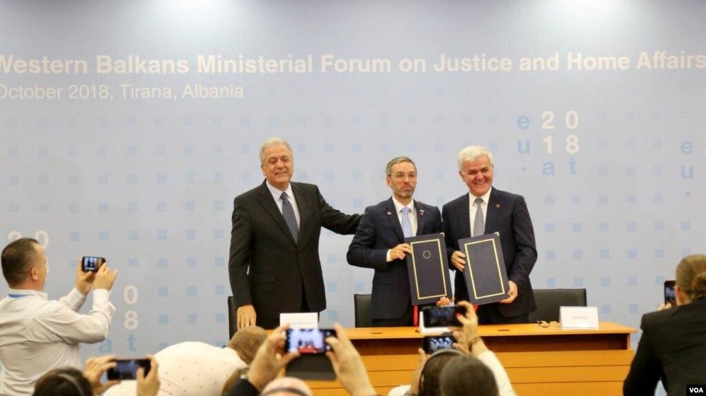Migracioni, Shqipëria marrëveshje me FRONTEX