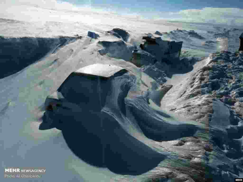 بارش برف سنگین در ارتفاعات آذربایجان شرقی در آخرین روزهای زمستان