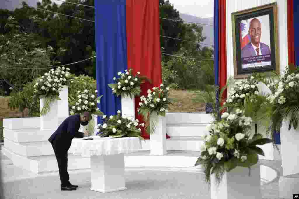 Haitidə Milli Panteon Muzeyində mərhum prezident Covenel Moizin xatirə mərasimi