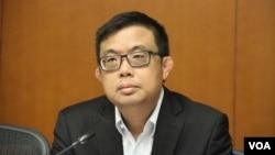 香港立法会民主党议员涂谨申 (美国之音记者申华 拍摄)