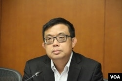 香港民主黨議員塗謹申 (美國之音記者申華 拍攝)