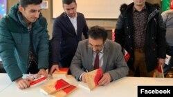 """Qənimət Zayidov """"Son dərviş"""" kitabını təqdim edir"""