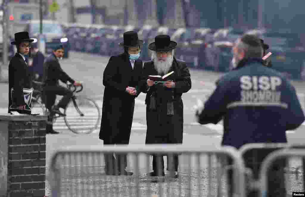 ებრაელებმა ნიუ-იორკში პასექის დღესასწაული აღნიშნეს. 2018 წლის ოფიციალური მონაცემების თანახმად, ამერიკელ ებრაელთა რაოდენობა აჭარბებს ისრაელში მცხოვრებ რაოდენობას.