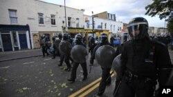 لندن کے مختلف علاقوں میں پولیس کے چھاپے