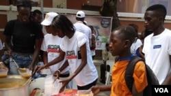 """Chá de Caxinde oferece """"sopa solidária"""" em Luanda"""