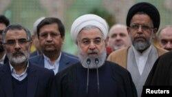 Iranski predsjednik Hasan Rohani govori tokom posjete svetilištu posvećenom osnivaču Islamske Republike, ajatolahu Homeniju, južno od Teherana, Iran, 30. januara 2019.