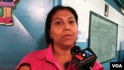Gabriela Carmona, es una madre docente en Caracas, Venezuela. Foto tomada de video.