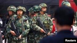 新疆在5月1日發生暴力襲擊事件後﹐中國當局在當地加強保安。