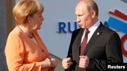 Ангела Меркель и Владимир Путин (фото из архива)