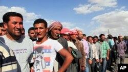 با انهدام شماری از مواضع داعش در شهر کوبانی و روستاهای اطراف، آوارگان سوری به شهر بازمی گردند- مرز ترکیه با سوریه، سوم مهر