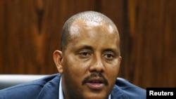 Getachew Reda lors d'une conférence de presse sur les violences qui ont éclatées dans la région de Oromiya, à Addis Ababa, en Ethiopia, le 25 février 2016.