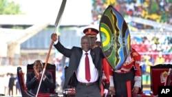 Rais mpya wa Tanzania John Pombe Magufuli ambae utawala wake unapambana na ufisadi.