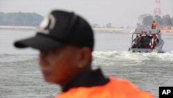 Trung Quốc sắp cho phép cảnh sát biên giới lên tàu và lục soát tàu nước ngoài trong vùng biển ở Biển Đông.