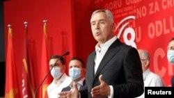 Milo Đukanović, predsednik Crne Gore i lider Demokratske partije socijalista, obraća se medijima posle izbora u Crnoj Gori 30. avgusta 2020.