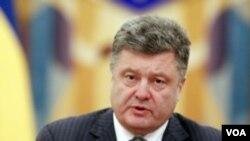 Ukrajinski predsednik Petro Porošenko predložio prekid vatre