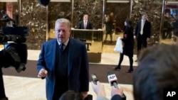 Makamu rais wa zamani Al Gore akizungumza na waandishi habariNew York, Dec. 5, 2016.