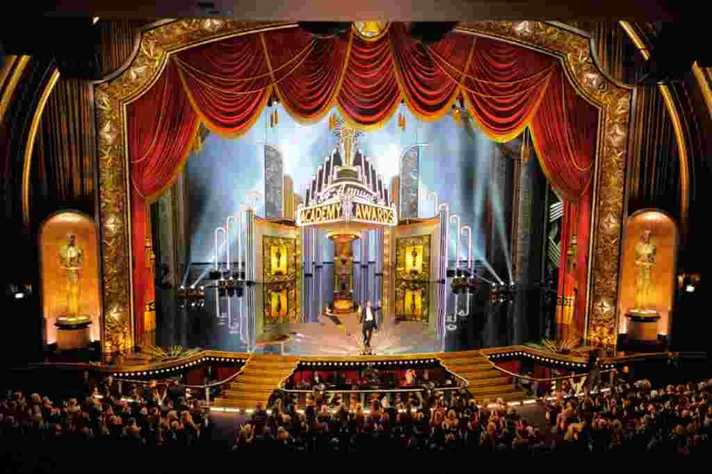 Billy Crystal, fue el maestro de ceremonias en los Premios de la Academia por novena vez.