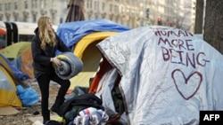 """Pristalice pokreta """"Okupiraj Vol Strit"""" u Vašingtonu"""