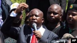 Julius Malema, mantan ketua Liga Pemuda Kongres Nasional Afrika (ANC), didakwa terkait kontrak pemerintah bernilai 6,5 juta dolar yang diberikan kepada sebuah perusahaan yang sebagian dimiliki oleh keluarga Malema (foto, 26/9/2012)..