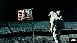 20 июля 1969 года Нейл Армстронг ступил на Луну